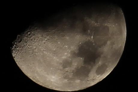 Moon200t